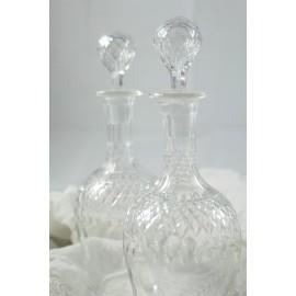 Paire de carafes en cristal taillé vers 1900
