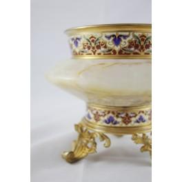 Coupe en bronze doré, émaux cloisonnés style Louis XV, époque fin 19ème siècle