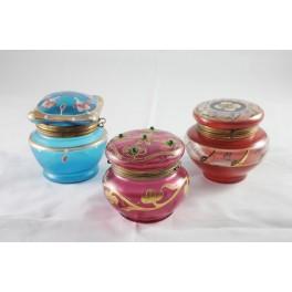 3 boîtes en verre coloré et émaillé époque fin 19ème siècle