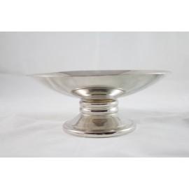 Coupe sur piédouche en métal argenté époque 20ème siècle