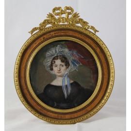 Miniature sur ivoire portrait de femme cadre en loupe et bronze doré époque 1820-1830