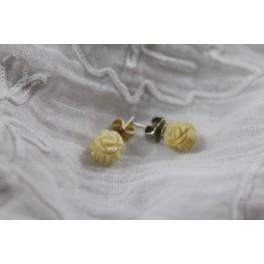 Paire de boucles d'oreilles en ivoire